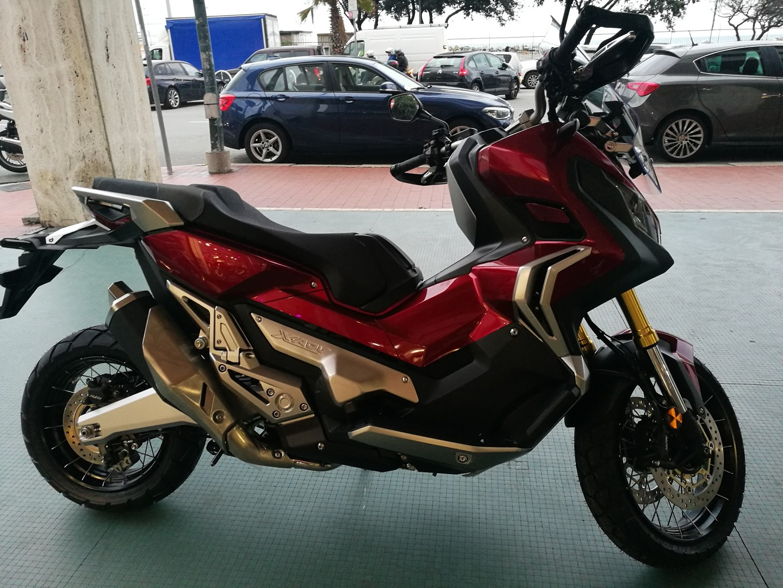 Janua Service | X-ADV 2018 | Honda Novità 2018 Gamma | X ...